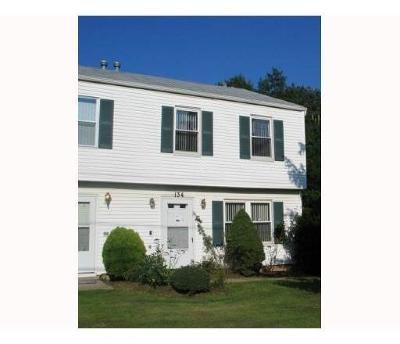 Edison Condo/Townhouse For Sale: 134 Bernard Avenue #B134