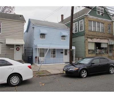 Perth Amboy Single Family Home For Sale: 454 Division Street