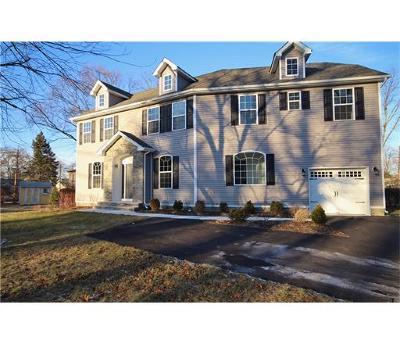 East Brunswick Single Family Home For Sale: 5 Sherwood Avenue