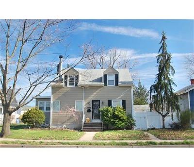 Woodbridge Proper Single Family Home For Sale: 52 Port Reading Avenue