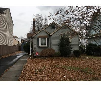 Metuchen Single Family Home For Sale: 104 University Avenue