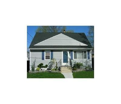 Perth Amboy Single Family Home For Sale: 622 Hommann Avenue