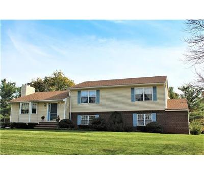 Piscataway Single Family Home For Sale: 2 Bennington Place