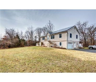 Monmouth County Single Family Home For Sale: 696 Aldrich Drive