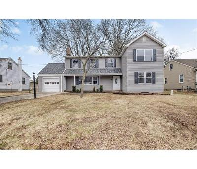Colonia Single Family Home For Sale: 34 Morningside Road