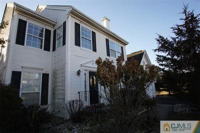 Piscataway Single Family Home For Sale: 558 Buckingham Drive