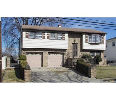 Perth Amboy Single Family Home For Sale: 634 Franklin Drive