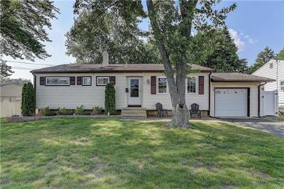 OLD BRIDGE Single Family Home For Sale: 17 Woodcrest Drive