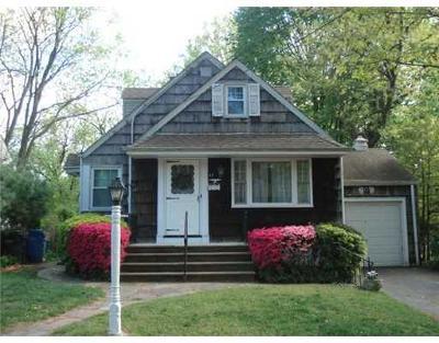 Metuchen Single Family Home For Sale: 43 Delaware Avenue