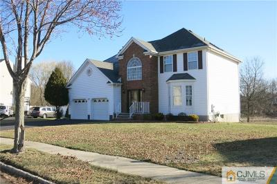 Piscataway Single Family Home For Sale: 34 Wisteria Court