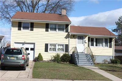 Fords Single Family Home For Sale: 71 S Oak Avenue