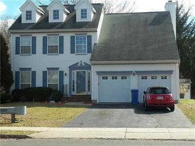 Piscataway Single Family Home For Sale: 578 Buckingham Drive
