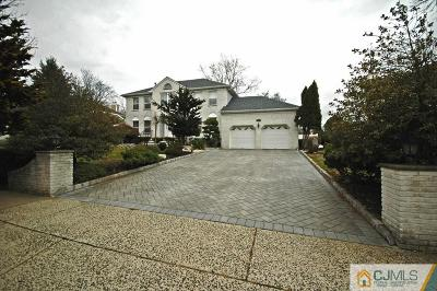 Piscataway Single Family Home For Sale: 35 Barbour Place