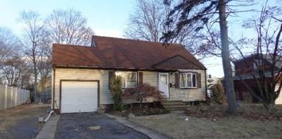 South Plainfield Single Family Home For Sale: 1821 Plainfield Avenue