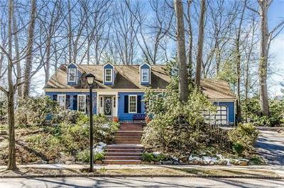 East Brunswick Single Family Home For Sale: 78 Independence Drive