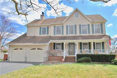 Old Bridge NJ Single Family Home For Sale: $529,900