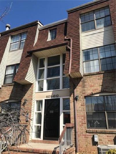 Perth Amboy Condo/Townhouse For Sale: 603 Hidden Village Drive #603