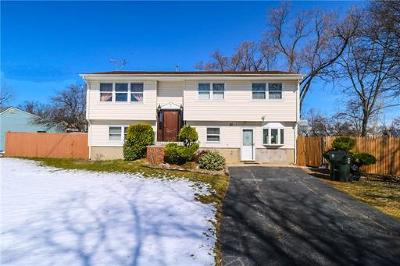 Iselin Single Family Home For Sale: 31 W Louis Place