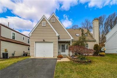 Old Bridge NJ Single Family Home For Sale: $345,000