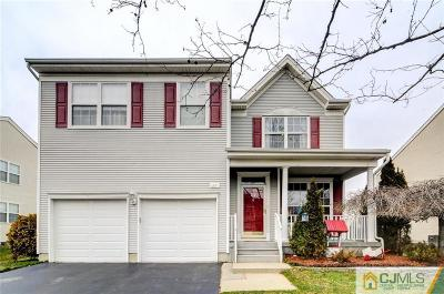 Single Family Home For Sale: 22 Cornell Drive