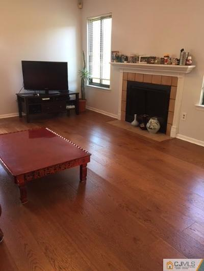 Edison Condo/Townhouse For Sale: 48 Carriage Place
