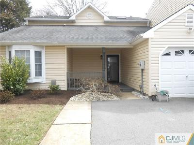 Edison Single Family Home For Sale: 2 Stonewall Drive