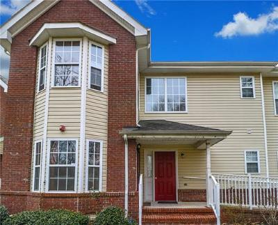 Piscataway Condo/Townhouse For Sale: 22 Forest Drive #22