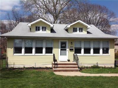 Single Family Home For Sale: 236 Rues Lane
