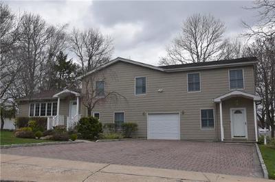 Old Bridge Single Family Home For Sale: 14 Fernwood Place