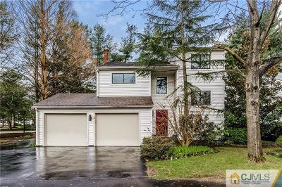 East Brunswick Single Family Home For Sale: 2 Disbrow Court