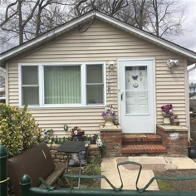 Old Bridge Single Family Home For Sale: 8 Hilltop Boulevard