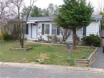 Monmouth County Single Family Home For Sale: 36 Fawn Run