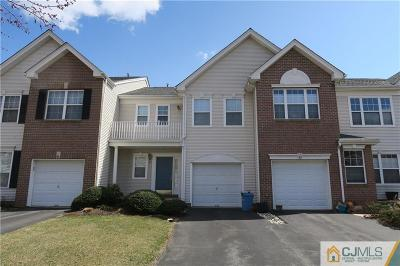 East Brunswick Condo/Townhouse For Sale: 43 Pennsbury Way