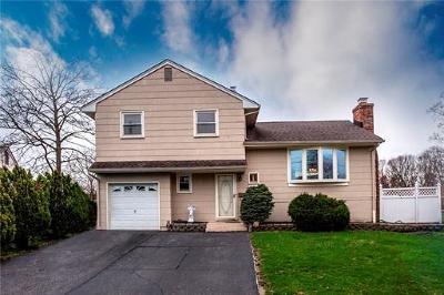 Single Family Home For Sale: 27 Mercer Road
