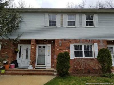 Old Bridge Condo/Townhouse For Sale: 42 Townsend Circle