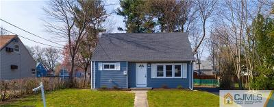 Single Family Home For Sale: 18 Windsor Drive