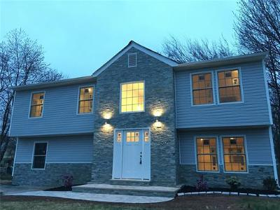 Piscataway Single Family Home For Sale: 30 Clara Drive