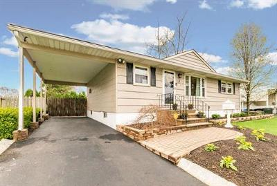 Monmouth County Single Family Home For Sale: 18 North Parkview Terrace
