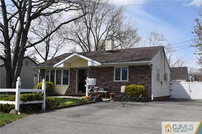 Old Bridge NJ Single Family Home For Sale: $299,900