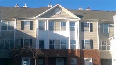 Sayreville Condo/Townhouse For Sale: 2011 Ridgeview Court