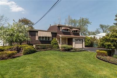 Old Bridge Single Family Home For Sale: 72 Throckmorton Lane