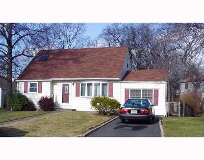 East Brunswick Single Family Home For Sale: 28 Kendall Road