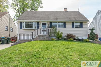 Iselin Single Family Home For Sale: 137 Bedford Avenue