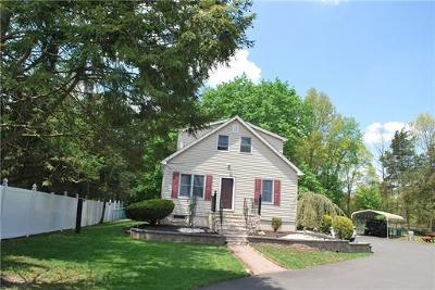 Monroe Single Family Home For Sale: 16 Bordentown Turnpike