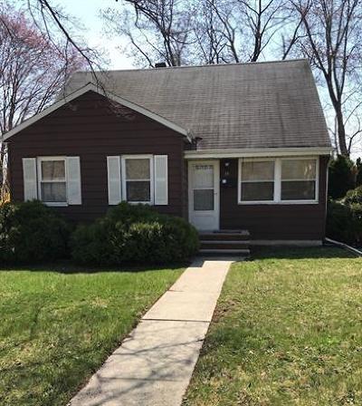East Brunswick Single Family Home For Sale: 15 Preston Road