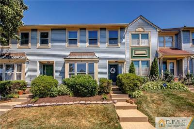 Sayreville Condo/Townhouse For Sale: 6 Heritage Square