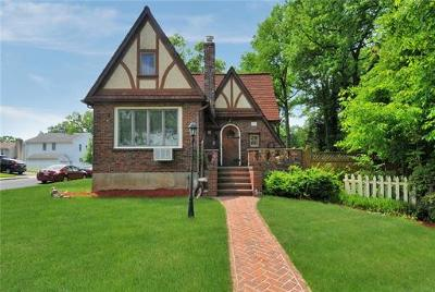 Metuchen Single Family Home For Sale: 425 Grove Avenue