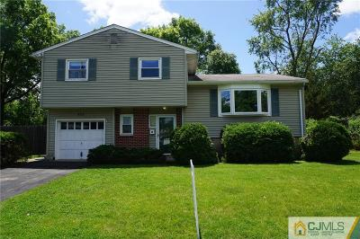 Iselin Single Family Home For Sale: 112 Winding Road
