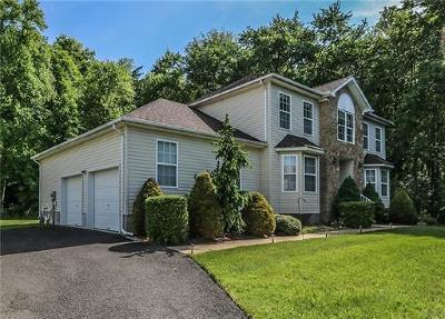 Old Bridge NJ Single Family Home For Sale: $535,000