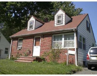 East Brunswick Single Family Home For Sale: 118 Main Street